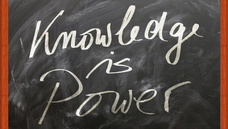 "chalkboard with the words ""Knowledge is power"""